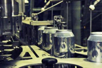 Барнаульский пивзавод запустил производство напитков в алюминиевой банке