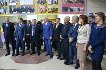 Обновленная галерея лучших выпускников открылась в АГУ