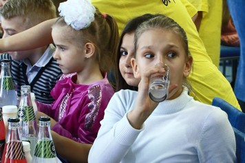 Алтайские предприниматели подарили детям праздник. Катунь24